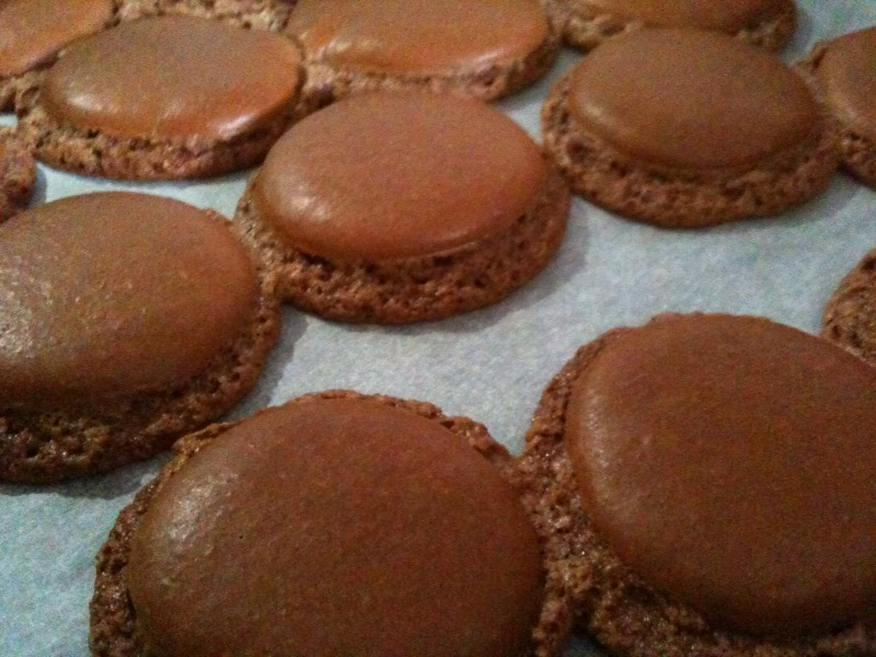 http://www.cuisine-addict.com/wp-content/uploads/2012/05/macaro43.jpg